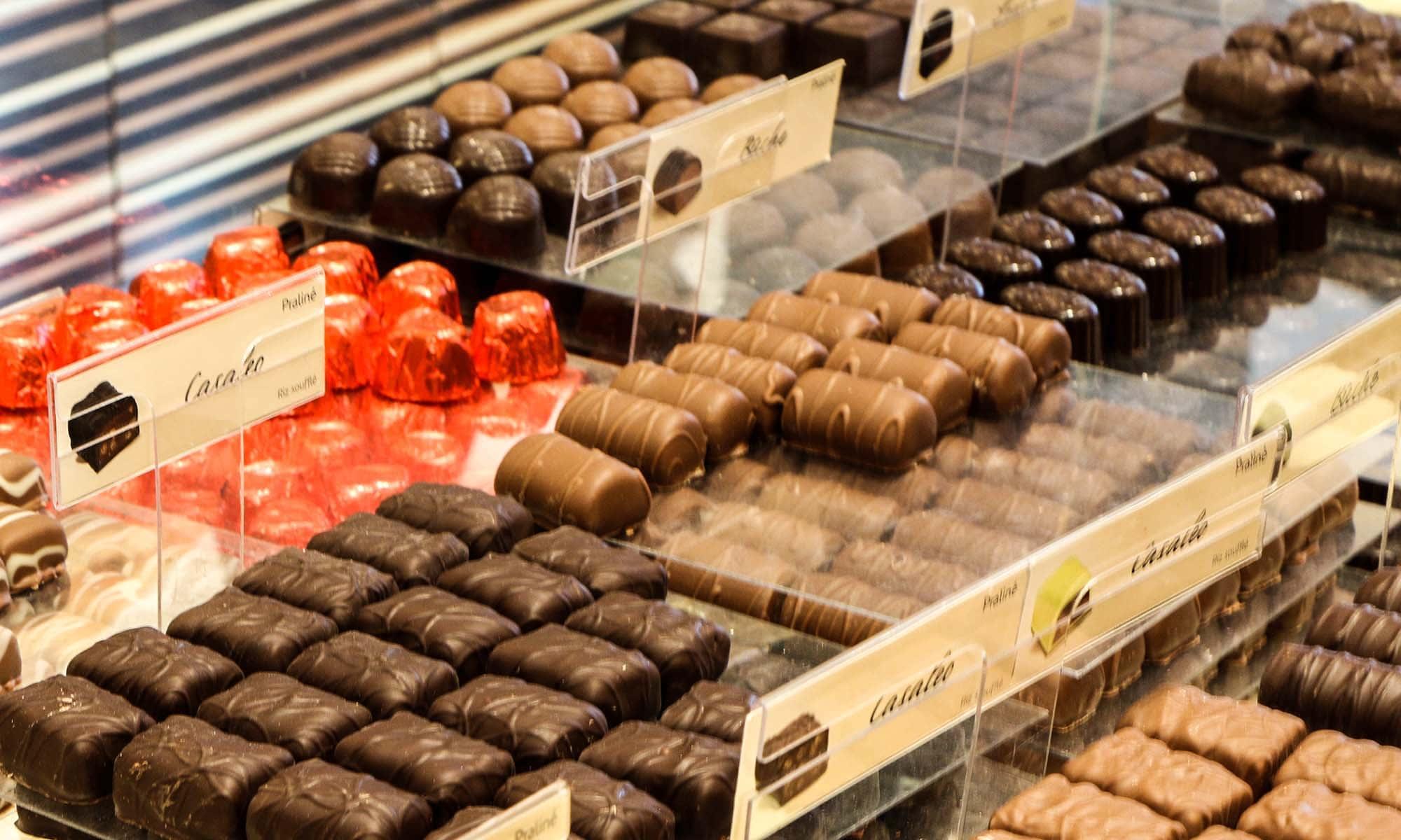 vitrine-chocolats-belges-leonidas