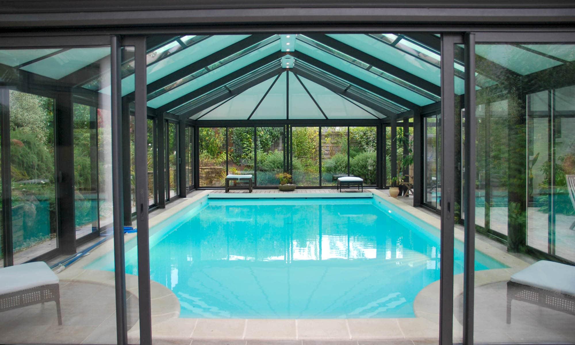 veranda-piscine-bleu